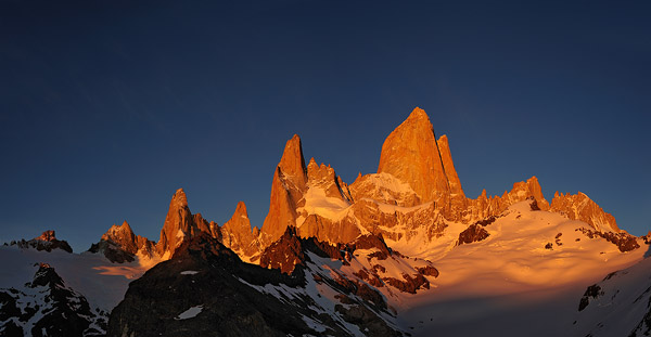 tl_files/Newsbilder/2010 news/_DSC1414 fitz roy.jpg